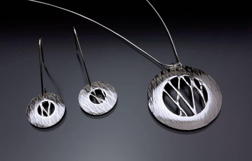 Pendant and earring set by Julia Rai