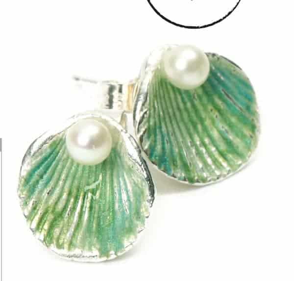 Painted Shell Earrings Tutorial by Julia Rai