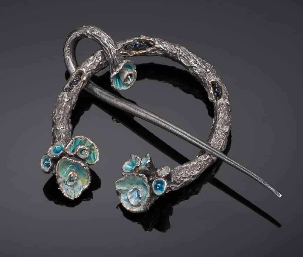 Penannular Brooch by Julia Rai