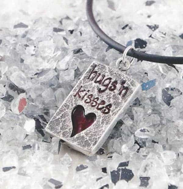 Be My Valentine Tutorial by Julia Rai